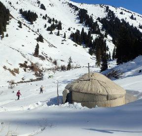 raid en ski au kirghizistan