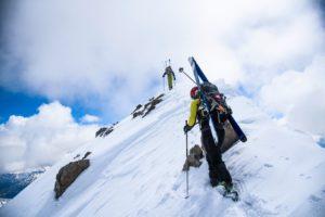 Exemple de portage latéral - Zag skis (Lucas Leroy)